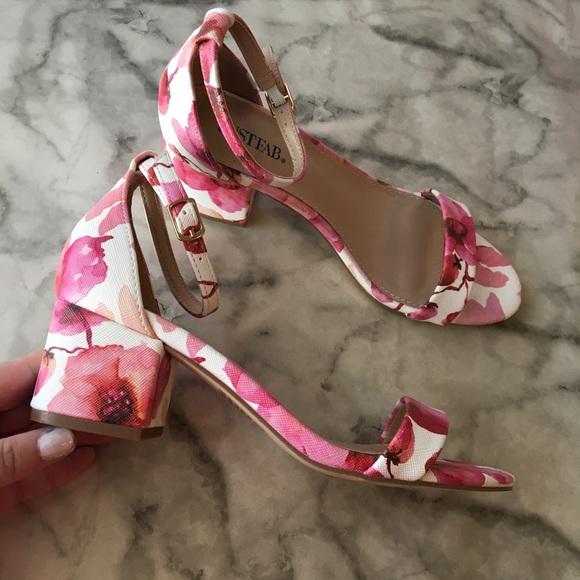JustFab Shoes | Pink Floral Block Heel
